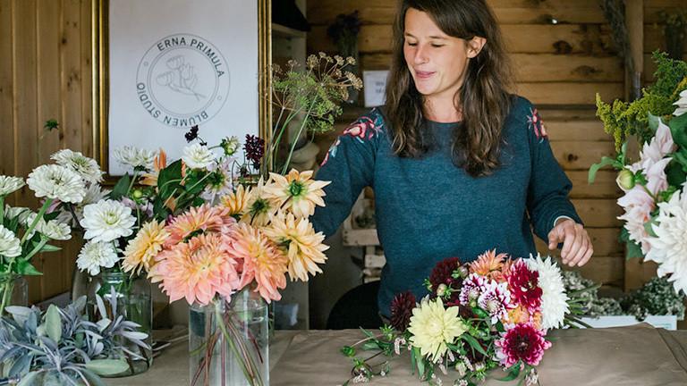 Chantal Remmert in ihrem Blumenladen