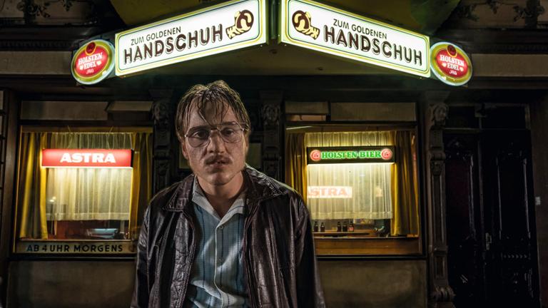 "Filmstill aus Fatih Akins ""Der Goldene Handschuh"": Jonas Dassler als Fritz Honka"