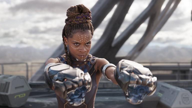Eine Szene mit Shuri aus Black Panther