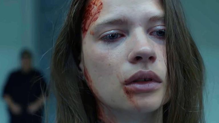 """Setfoto aus der Netflix-serie """"Quicksand"""": Hauptdarstellerin Hanna Ardéhn spielt die Hauptverdächtige in einem Schul-Amoklauf."""