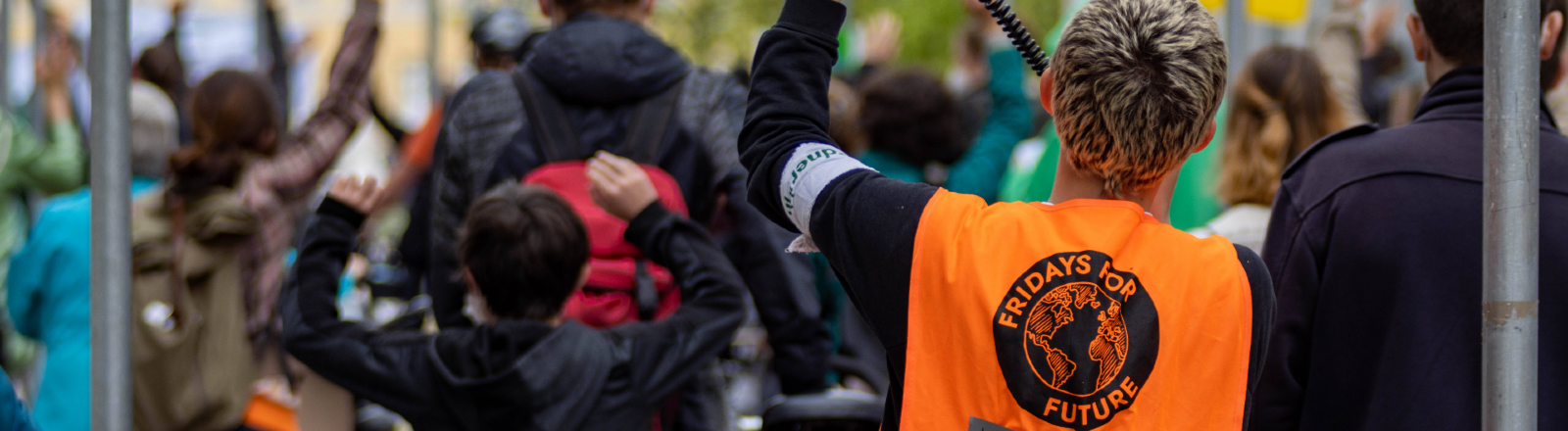 Demonstrierende der Fridays For Future Demo Karlsruhe: Klimaklage ernst nehmen! Für ein ausreichendes Klimaschutzgesetz 12.05.2021