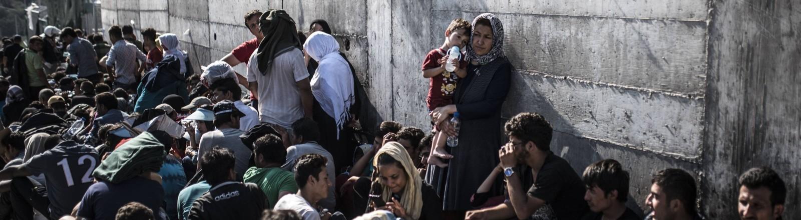 Menschen im Flüchtlingslager Moria
