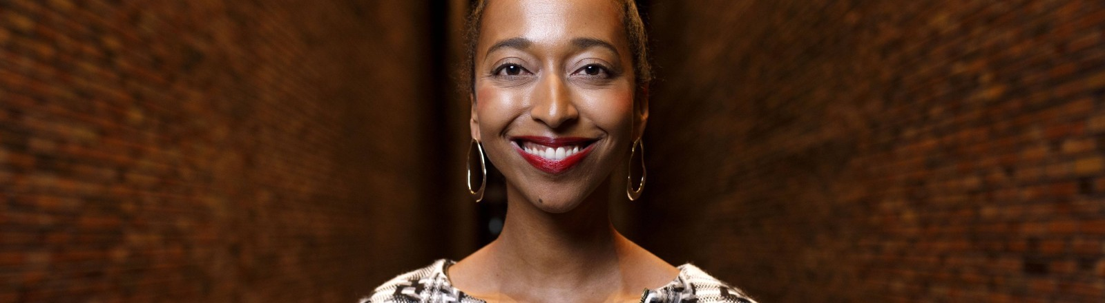 Ein Porträt der Autorin Melanie Raabe