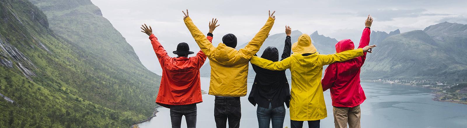 Eine Freundesgruppe im Urlaub